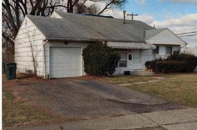 Columbus Single Family Home For Sale: 1071 Country Club Road