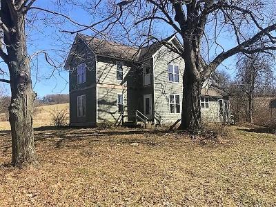 Newark Single Family Home For Sale: 12376 Flint Ridge Road SE