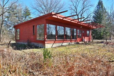 Columbus Single Family Home For Sale: 655 McNaughten Road