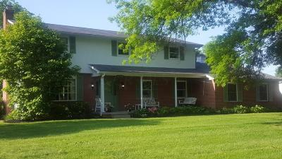 Columbus Single Family Home For Sale: 6153 Cherry Hill Drive