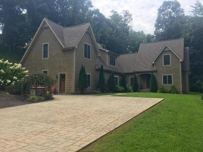 Jackson County Single Family Home For Sale: 6857 Franklin Valley Road