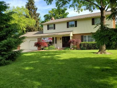 Columbus Single Family Home For Sale: 2200 Pinebrook Road