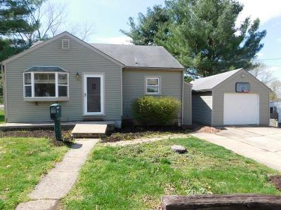 Lancaster Single Family Home For Sale: 827 Mithoff Drive