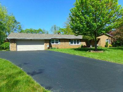 Grove City Single Family Home For Sale: 6570 Rolling Hills Place