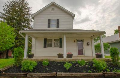 Lancaster Single Family Home For Sale: 148 N Ewing Street