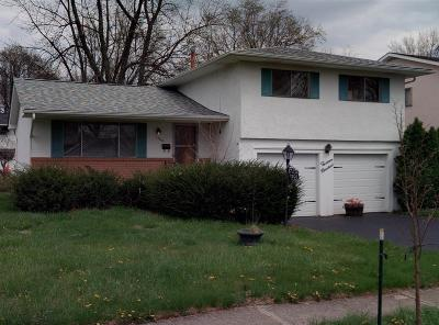 Columbus Single Family Home For Sale: 1300 Cranwood Square N