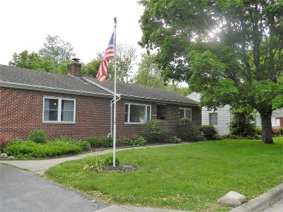 Grove City OH Single Family Home For Sale: $172,000