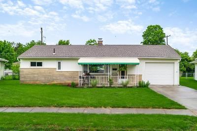 Grove City Single Family Home For Sale: 2974 Voeller Circle