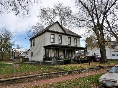 Newark Single Family Home For Sale: 32 Oakwood Avenue