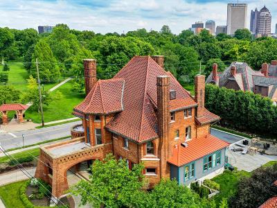 Columbus Single Family Home For Sale: 755 Dennison Avenue