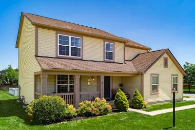 Pickerington Single Family Home For Sale: 600 Manchester Circle N