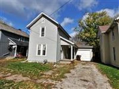 Newark Single Family Home For Sale: 122 W Shields Street