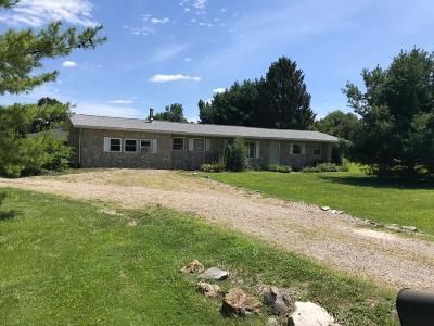 Lancaster Single Family Home For Sale: 3920 Tschopp Road NE