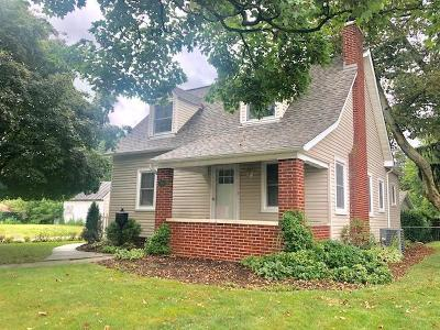 Franklin County, Delaware County, Fairfield County, Hocking County, Licking County, Madison County, Morrow County, Perry County, Pickaway County, Union County Single Family Home For Sale: 413 N Mount Pleasant Avenue