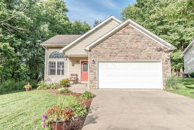 Howard Single Family Home For Sale: 516 Floral Valley Drive W