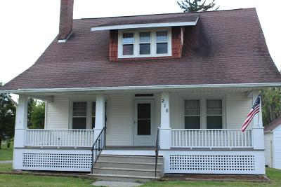Single Family Home For Sale: 216 N Marion Street