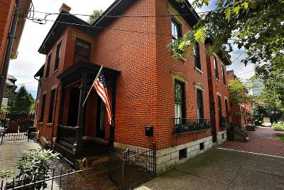 Columbus Single Family Home For Sale: 49 E Sycamore Street