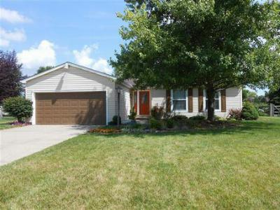 Single Family Home SOLD!: 6950 Fallen Oaks Dr