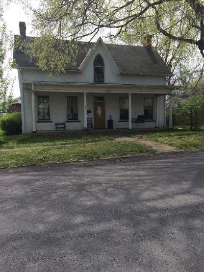 Hillsboro Single Family Home For Sale: 407 West South Street