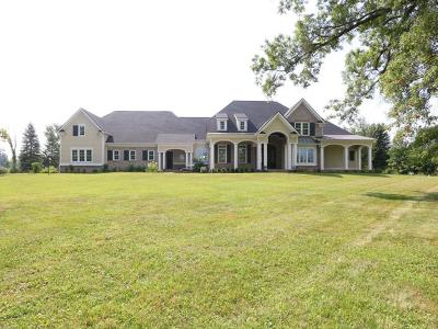 Hamilton Twp Single Family Home For Sale: 564 Lakewood Farms Drive