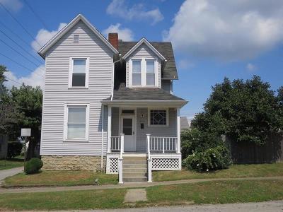 HILLSBORO Single Family Home For Sale: 214 West Walnut Street