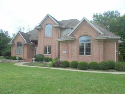 Warren County Single Family Home For Sale: 1340 Meadow Woods Court