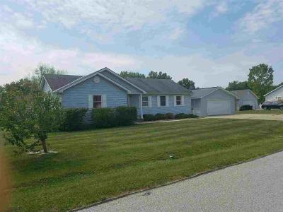Mt Orab Single Family Home For Sale: 111 Maple Ridge Avenue