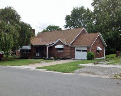 HILLSBORO Single Family Home For Sale: 233 East South Street