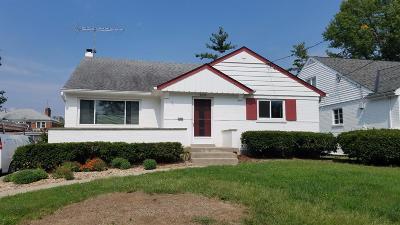 Single Family Home For Sale: 6036 Winnetka Drive