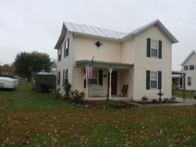 Winchester OH Single Family Home For Sale: $98,500