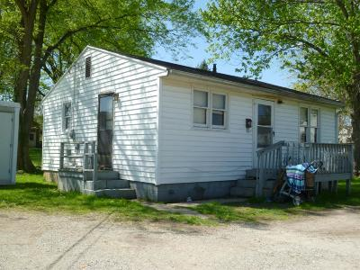 Manchester OH Single Family Home For Sale: $23,000