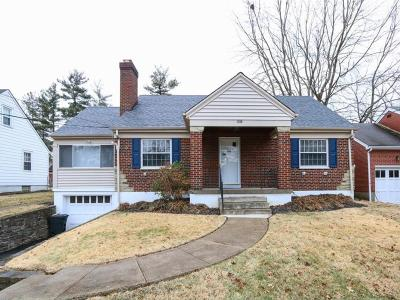 Single Family Home For Sale: 1006 Maycliffe Place