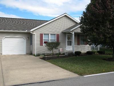 Hillsboro Condo/Townhouse For Sale: 700 E Main Street #53