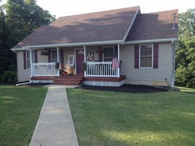HILLSBORO Single Family Home For Sale: 200 Conrad Street