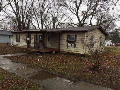 Adams County, Brown County, Clinton County, Highland County Single Family Home For Sale: 921 South Street