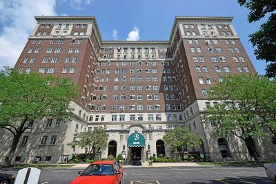 Cincinnati Condo/Townhouse For Sale: 3900 Rose Hill Avenue #201A