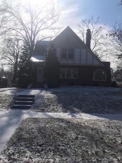 Cincinnati Single Family Home For Sale: 1573 Larry Avenue