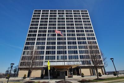 Cincinnati Condo/Townhouse For Sale: 810 Matson Place #1408