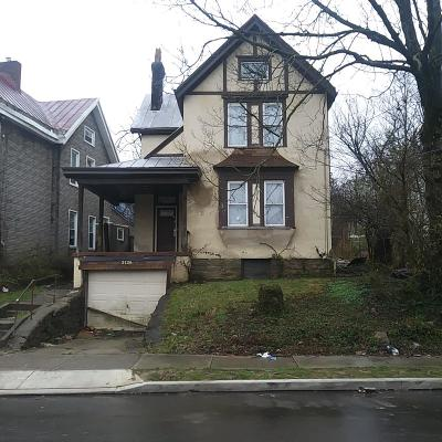 Cincinnati Single Family Home For Sale: 3136 Durrell Avenue