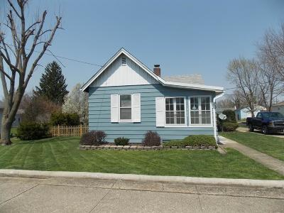 Hamilton Single Family Home For Sale: 1366 Ross Avenue