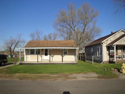 Hamilton Single Family Home For Sale: 1911 Caldwell Street