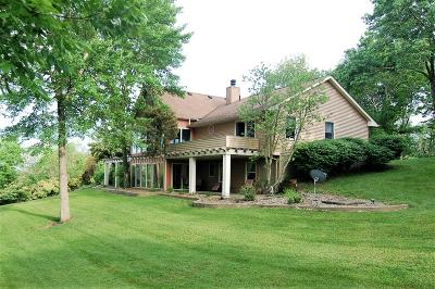 Aurora Single Family Home For Sale: 15441 Country Woods Lane