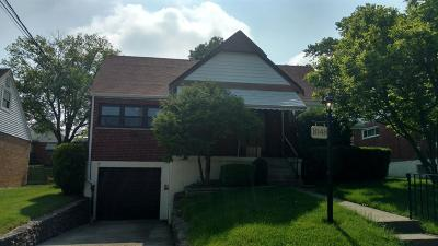 Cincinnati Single Family Home For Sale: 1048 Morado Drive