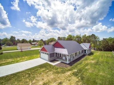 Adams County, Brown County, Clinton County, Highland County Single Family Home For Sale: 632 Waynoka Drive