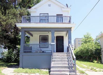 Cincinnati Single Family Home For Sale: 810 Woodlawn Avenue
