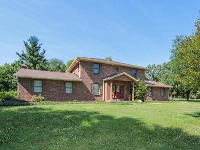 Harrison Twp Single Family Home For Sale: 10439 Deertrail Lane