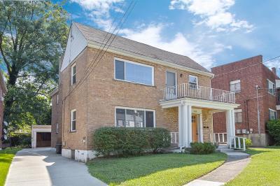 Cincinnati Multi Family Home For Sale: 4168 Paxton Woods Lane