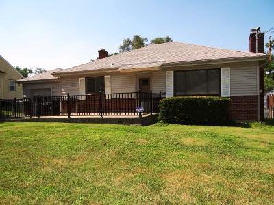 Cincinnati Single Family Home For Sale: 233 Bernard Street