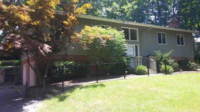 Hamilton County Single Family Home For Sale: 9903 Hickory Bluff Court