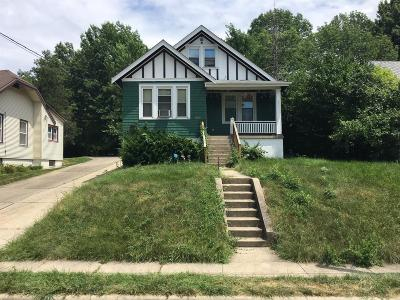 Cheviot Single Family Home For Sale: 3990 Washington Avenue